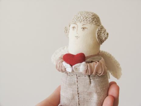 Авторская текстильная кукла «Ангел с сердцем: она»